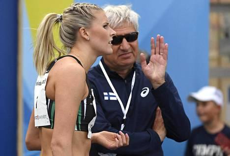 Kristiina Mäkelän armenialainen valmentaja Suren Ghazaryan odottaa yhä viisumia yleisurheilun MM-kisoihin Lontooseen.