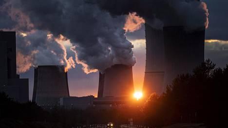 Hiili tuottaa suuren osan maapallon energiasta. Ruskohiiltä polttava Boxbergin voimala itäisessä Saksassa on tarkoitus sulkea vuonna 2038.