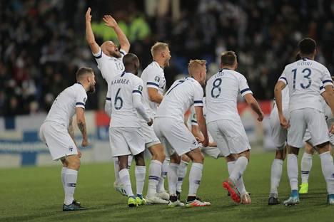 Suomen jalkapallomaajoukkue pelaa ensi kesänä EM-kisoissa.