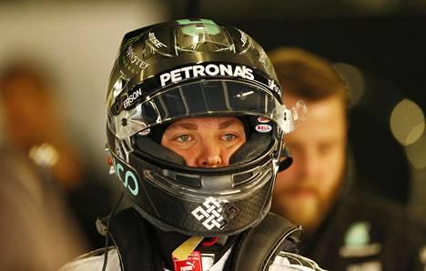 Nico Rosberg jatkaa Mercedeksellä.