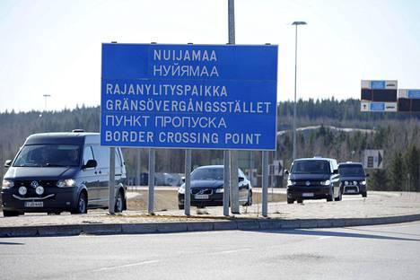 Suomen viranomaiset ottivat säilöön tietokonerikoksista epäillyn venäläismiehen Nuijamaan raja-asemalla 8. elokuuta 2015. Kuvassa on Nuijamaan asema viime vuoden huhtikuussa.