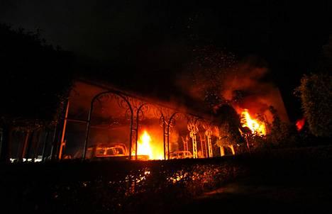 Asejoukot iskivät Yhdysvaltojen lähetystöön syyskuussa 2012.