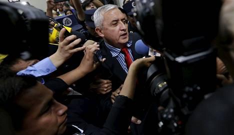Korruptiosta syytetty Guatemalan presidentti Otto Perez Molina saapui korkeimpaan oikeuteen torstaina.
