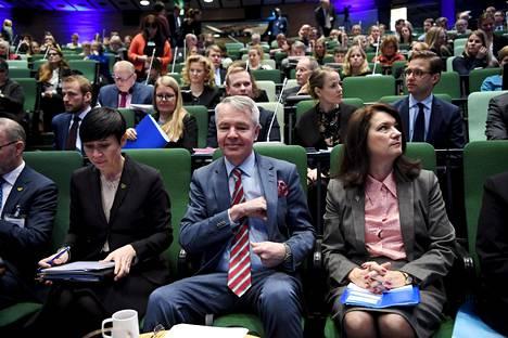 Ruotsin ulkoministeri Ann Linde (oik.), Suomen ulkoministeri Pekka Haavisto ja Norjan ulkoministeri Ine Eriksen Søreide tapasivat ulko- ja turvallisuuspoliittisessa seminaarissa Espoossa torstaina.