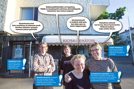 """Olli Repo (vas.) perusti ruokapiirin, jolla on nyt parisataa jäsentä. Entisessä kioskissa pyörittää kylätilaa Hertsikan pumppu, jota olivat perustamassa Henrik Nyholm, Hilkka Helsti ja Eeva Kuuluvainen (oik.). He arvioivat, että toiminta tavoittaa ainakin """"puoliaktiivisesti"""" tuhansia asukkaita."""