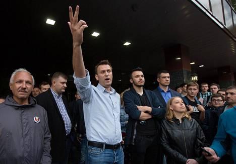 Aleksei Navalnyi kannattajiensa ympäröimänä Ryazanissa, Venäjällä, vuonna 2017.