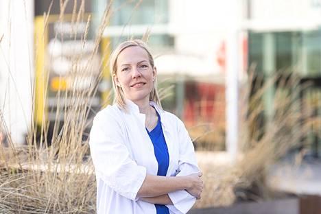 Katja Ovaskainen on opiskellut lääketiedettä Kuopiossa ja Tampereella. Nykyisin hän asuu Lempäälässä ja työskentelee Taysissa. Hän on erikoistunut vastasyntyneiden hoitoon.