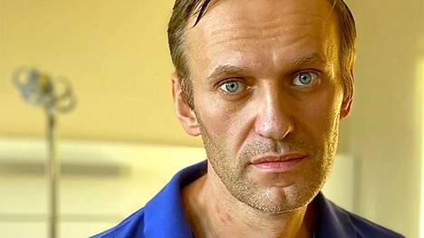 Aleksei Navalnyi Berliiniläisessä Charite-sairaalassa Navalnyin Instagram-tilillä syyskuun lopussa julkaistussa kuvassa.