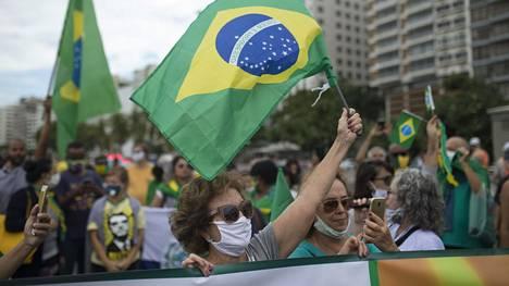 Brasiliassa Rio de Janeirossa presidentti Jair Bolsonaron kannattajat valtasivat kadut viikonloppuna.