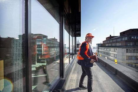Kasperi Saari esitteli U14-hotellinsa työmaata HS:lle syyskuussa.
