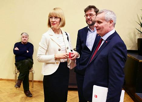 Tytti Tuppurainen, Timo Harakka ja Antti Rinne kilpailevat keskenään Sdp:n puheenjohtajuudesta.