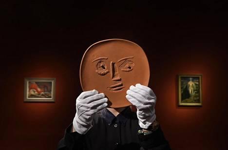 Picasson lautanen myydään keskiviikkona.