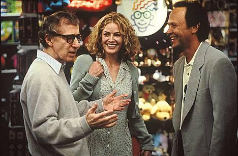 Woody Allen (vas.), Elisabeth Shue ja Billy Crystal ovat pääosissa elokuvassa Harry pala palalta.