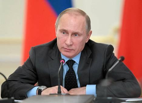 Vladimir Putin haluaa, että lapset ehtisivät seurata enemmän olympialaisia.