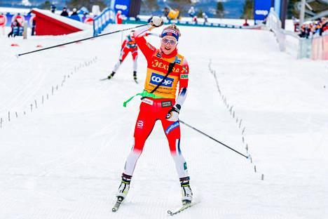 Therese Johaug on voittanut kaikki neljä osakilpailua pohjoismaisella hiihtokiertueella.