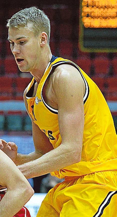 Seagullsin Carl Lindbom pelasi vahvasti Loimaan Bisonsia vastaan.