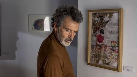 Antonio Banderas näyttelee vakuuttavasti pääosan Pedro Almódovarin uudessa elokuvassa.