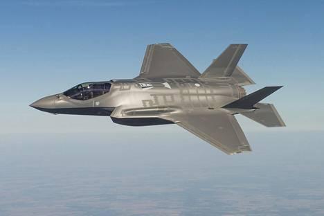 Amerikkalaisen Lockheed Martinin valmistamia F-35-hävittäjiä tulee Turun lentonäytökseen loppuviikolla.
