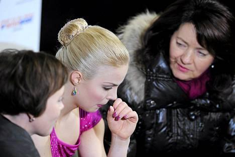 Kiira Korpi piti ylivoimaisen johtoasemansa myös sunnuntain vapaaohjelmassa taitoluistelun SM-kisoissa.