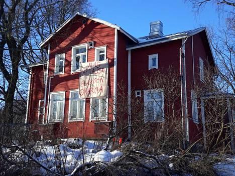 Helsingin kaupungin omistama vanha puutalo Kumpulassa vallattiin tammikuun loppupuolella.
