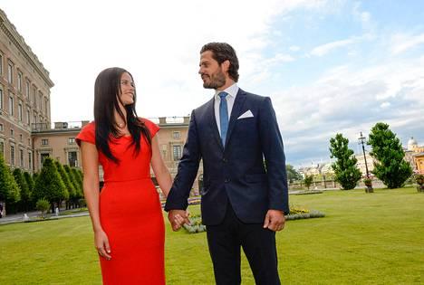 Ruotsin prinssi Carl Philip ja Sofia Hellqvist kihlautuivat 27. kesäkuuta 2014.