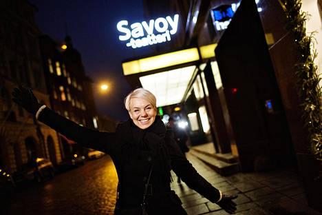 Toimittaja Baba Lybeck on ollut televisiossa koko aikuisikänsä. Seuraavaksi hän aloittaa nimeään kantavat kirjallisuusillat Savoy-teatterissa.