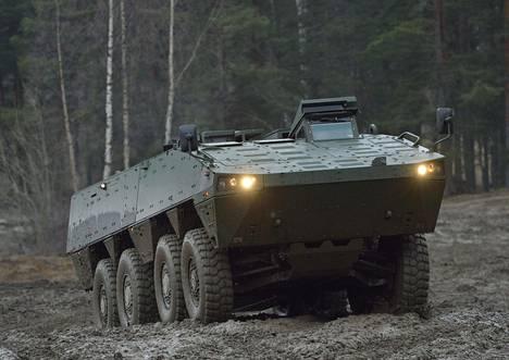 Patria esitteli AMV-ajoneuvoa Hattulassa marraskuussa 2012.