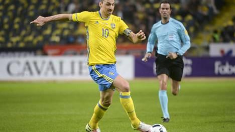 Zlatan Ibrahimovic yrittää johdattaa Ruotsin jatkoon EM-kisojen alkulohkosta.
