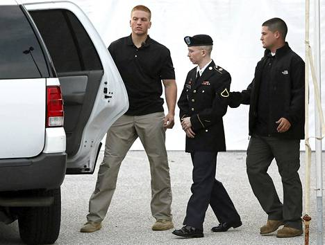 Bradley Manningin Wikileaks-syytteitä käsitellään sotatuomioistuimessa Marylandissa.