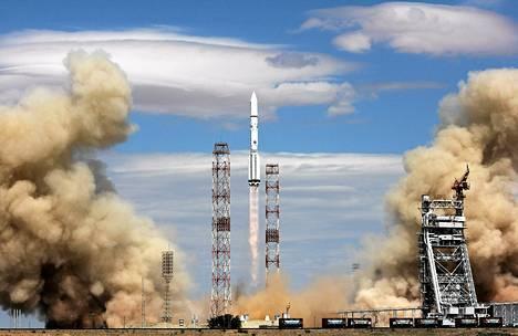 Proton-M raketti, joka kantoi eurooppalaista SES-6 -viestintäsatelliittia, laukaistiin onnistuneesti Kazakstanin Baikonurin laukaisukeskuksesta 3. kesäkuuta. Samanlainen raketti räjähti laukaisukeskuksen yllä tiistai-aamuna.