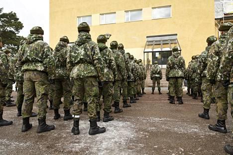 Ylen mukaan Puolustusvoimissa on ollut tiedettyä laajempi kaksoiskansalaisia koskeva ohjeistus.