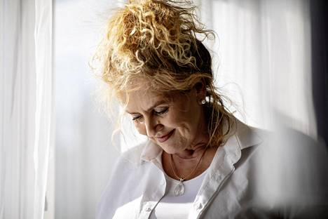 Helsinkiläinen Erna Rusi lähti etsimään sukujuuriaan geneettisen sukututkimuksen avulla, sillä yli 50 vuoteen Rusilla ei ollut mitään tietoa isästään eikä isänsä puolen suvusta.