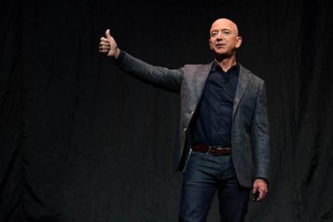 Amazonin perustaja Jeff Bezos on jättämässä yhtiön toimitusjohtajan tehtävät myöhemmin tänä vuonna. Bezos kuvattuna toukokuussa 2019.