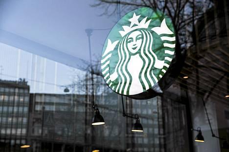 Starbucksin kahvila Helsingissä marraskuussa 2013.