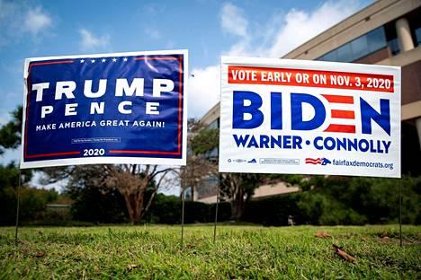 Ennakkoäänestyspaikalle oli pystytetty ehdokkaiden kyltit Fairfaxissa Virginiassa 18. syyskuuta.