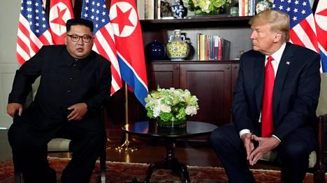 Kim Jong-un ja Donald Trump tapasivat Sentosan saarella Singaporessa kesäkuussa viime kesänä.