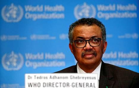Maailman terveysjärjestön WHO:n johtaja Tedros Adhanom Ghebreyesus puhui tiedotustilaisuudessa Genevessä perjantaina.