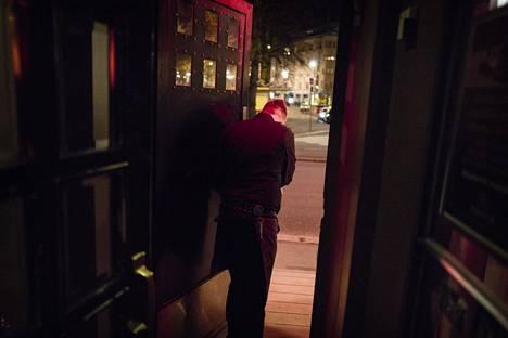 Juho Sormunen laittoi keskiviikkona Manalan oven kiinni toistaiseksi.
