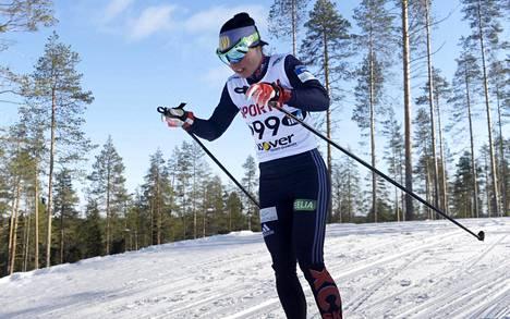 Krista Pärmäkoski jätti leikin kesken Rovaniemin sprintissä. Kuva huhtikuulta Taivalkosken SM-kisoista.