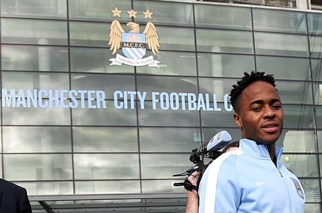 Raheem Sterlingistä tuli Manchester Cityn historian kallein hankinta.
