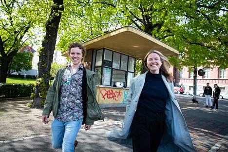 Ravintoloitsijat Tom ja Laura Hansen avaavat kesäkuussa lippakioskin Kruununhakaan. Meksikolaistyylisen kioskin on tarkoitus tuoda taloudellista tukea Hansenien vetämälle ravintola Kuurnalle.