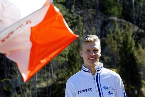 Topi Raitanen kilpailee ensi viikonloppuna suunnistuksen Tiomila-viestissä Ruotsin Falunissa.