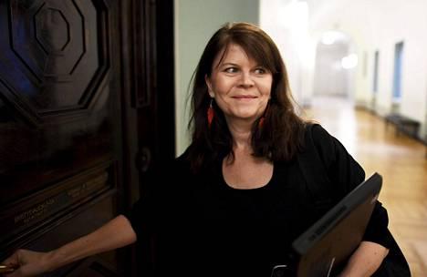 Vihreiden kansanedustaja Outi Alanko-Kahiluoto johtaa eduskunnan tarkastusvaliokuntaa.