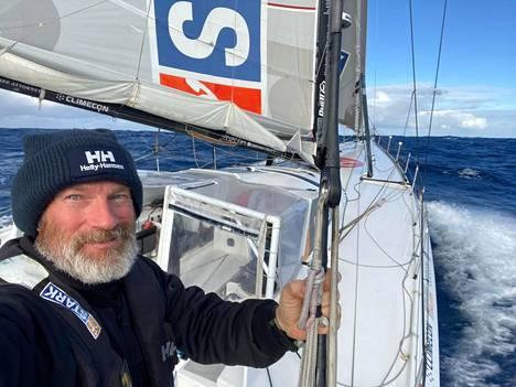 Ari Huuselan veneen nopeus nousi Nemon pisteen kohdilla parhaimmillaan 26 solmuun, 48 kilometriin tunnissa.