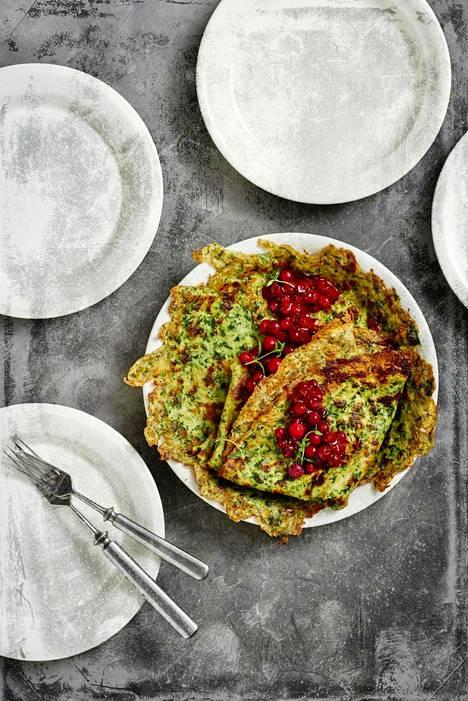 Pinaattiletut paistuvat isolla pannulla nopeasti lounaaksi. Taikinan sekoittaminen vie vain hetken.