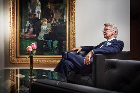 """""""En minä pystynyt nuorena edes mielikuvituksessa ajattelemaan, että voisin rikastua."""" Björn Wahlroosin työhuoneen odotusaulan seinällä on Sammon omistama Akseli Gallen-Kallelan maalaus, josta Wahlroos ei lainkaan pidä. Hänellä itsellään on mittava kokoelma sekä vanhaa että modernia taidetta."""