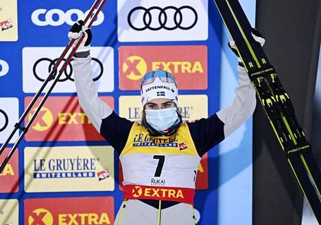 Ruotsin Ebba Andersson tuuletti viime marraskuun lopulla Rukan mc-avauksessa minitourin kolmatta sijaa.
