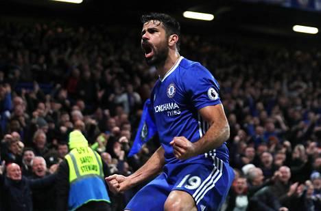 Diego Costa tuuletti maaliaan Stokea vastaan Stamford Bridgen yleisön kanssa.