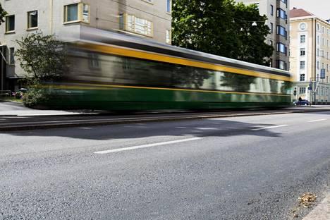 Raitiovaunujen, junien ja metron melulle altistuu noin kymmenen prosenttia Helsingin asukkaista.