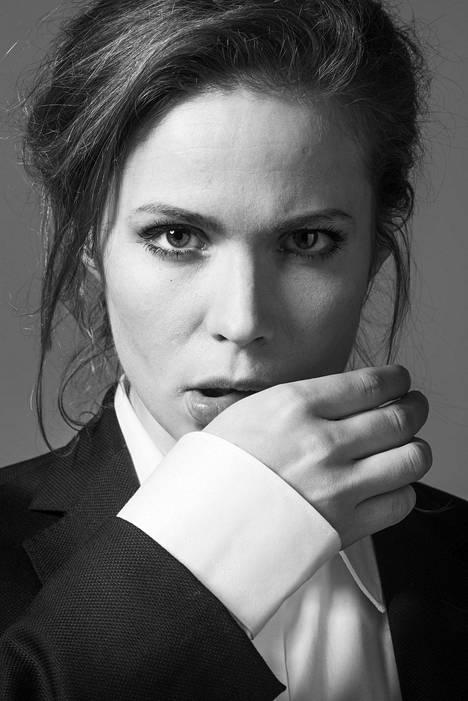 Näyttelijä Pihla Viitalan kansainvälinen ura alkoi upeasti.